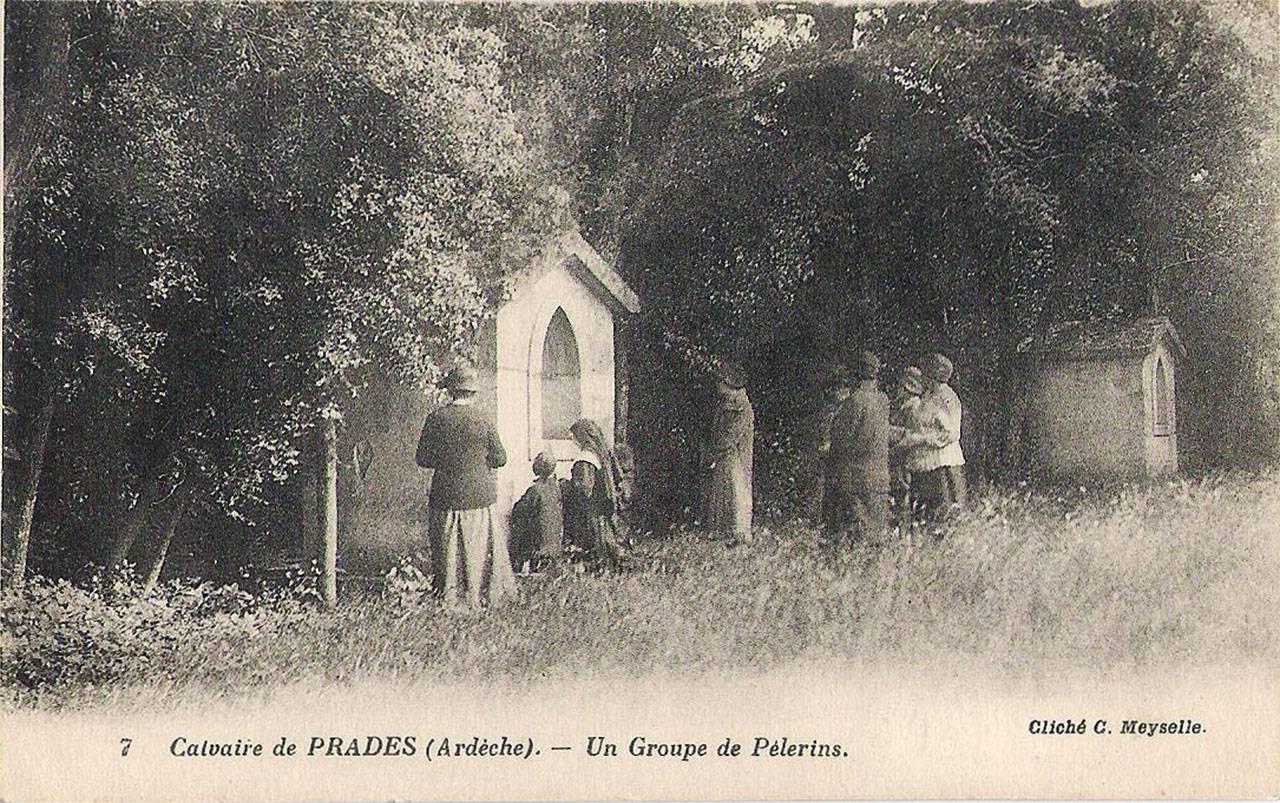 Calvaire de Prades, un groupe de pélerins