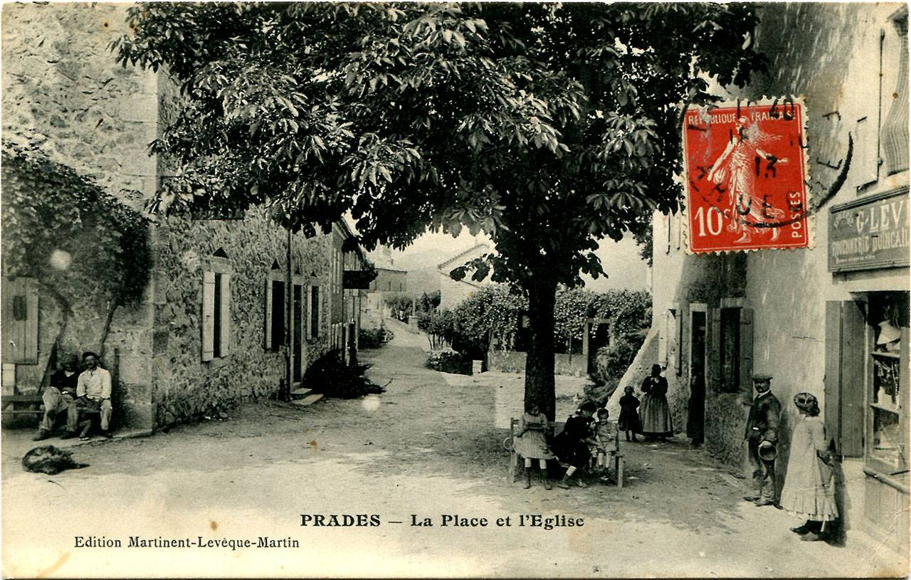 La Place et l'église, avant 1913